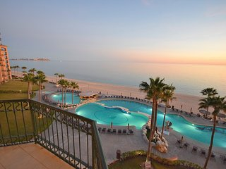 Sonoran Sea, 511W - 1BD/1BA - UNOBSTRUCTED OCEAN & OLD PORT VIEWS - 5th Flr, Puerto Penasco