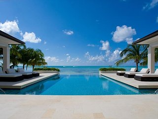 "5BR ""Sun Salutations,"" A Luxury Cayman Villas Property - 20% OFF SPECIAL!, Grand Cayman"