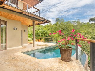 'Casa Acuario' 4BR Playa Conchal House w/Pool!