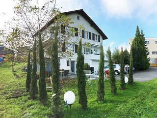 next to Zürich Apartments to rent, up to 4 peoples, long and short time welcome, Waedenswil