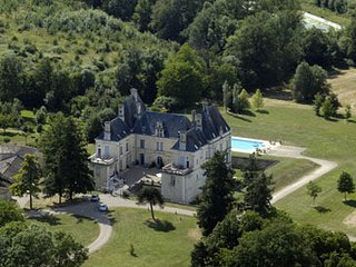 Chateau luxury apartment, Menigoute