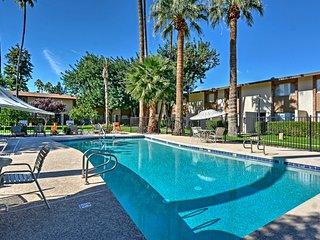 Remodeled 2BR Scottsdale Condo w/Community Pool