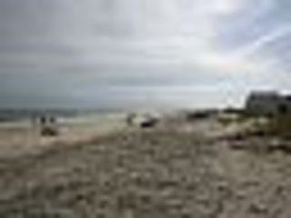 Ontspannende wandeling op het strand