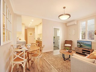 CRES1 - Perfect Location For Manly, Easy CBD Ferry