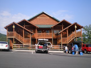 Great views, location, indoor water park and many other amenities, Gatlinburg