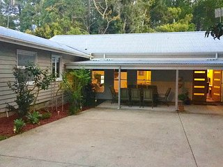Ttropical Raffles, Noosa District.  Dog Friendly., Tewantin