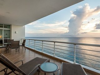 Casa Ocean View (602) - Sweeping Ocean Views, High Floor, Infinity Pool, Cozumel