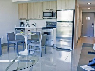 ASK US FOR DISCOUNTS - Stylish 1/1 Brickell / Downtown Miami Condo Steps Away fr