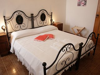 Domu e Luna Bed & Breakfast, Lunamatrona