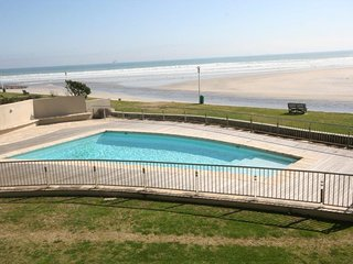 136 Lagoon Beach, Milnerton
