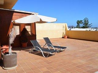 3 bedroom flat close to main street, terrace sea views, Corralejo
