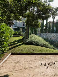 Let´s play boule de petanq as the French do in Provence...