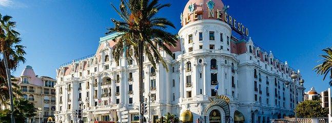 NICE Promenade des Anglais et Hotel Negresco