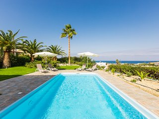 Villa Malena, beach retreat!