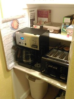 Coffe/tea/soup machine and toaster Under the pantry shelves
