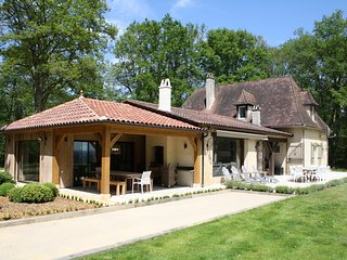 LA DROUILLETTE - EXCEPTIONAL PROPERTY WITH PRIVATE HEATED POOL AND TENNIS COURT