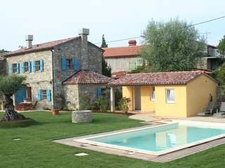 Villa Lavanda - Istrian stone house with a pool