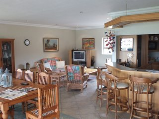 Kleinmond Panorama Self-catering Penthouse and Apartments