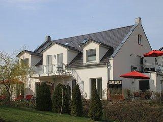 Großräumige helle 4 * Fewo direkt am Golfplatz, Goehren-Lebbin