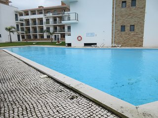 RM AG - Sao Martinho do Porto - Modern apartment with 3 bedrooms and shared pool