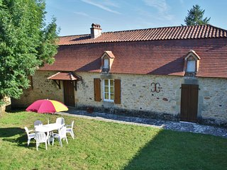 CIRCAUD: PICTURESQUE STONE GITE IN RURAL SETTING + ACCESS TO SHARED POOL