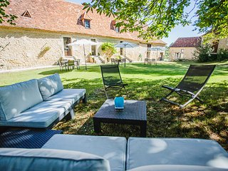Clos des Pelissous- B&B, Pool - Suite Soleil - bedroom from 2 to 4 people