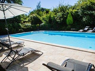 Clos des Pelissous- B&B, Pool - Suite Soleil - bedroom from 2 to 4 people