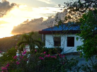3 bedroom/3.5 bathroom villa beautiful views in Fish Bay, St John, USVI, Cruz Bay
