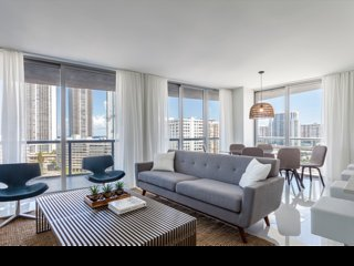 BW Miami East Tower 701, Bay Harbor Islands