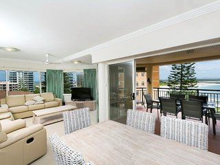 Whitesands, Unit 402, 34-38 North Street, Forster