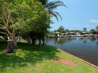 LAKE HOUSE ON ELOUERA, Forster