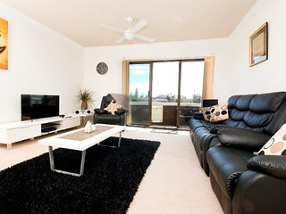 Dolphin Place 6 - Tuncurry, NSW