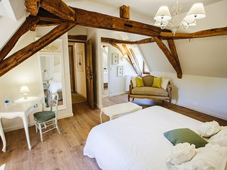 Clos des Pélissous, B&B, Pool - Angélique- Bedroom for 2 People, Lembras