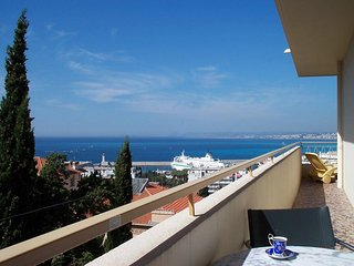 Le Panoramic, Nice - wonderful view, 1 bedroom, large balcony, private garage, Niza