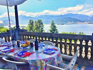 Tosca apartment in Stresa with lake view