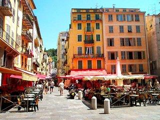 Old Town Vieux Nice, romantic, sunny, 2nd fl 1bdm, Niza