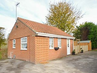 WEE WOODY, bungalow, underfloor heating, WiFi near Cottingham, Ref 929127