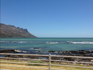 Luxury Home on the Beach - Sand, Waves, and 360 view of False Bay and Table Moun, Gordon's Bay