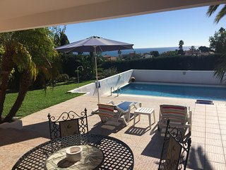Stunning large One bedroom, Sea and Garden View!, Estepona