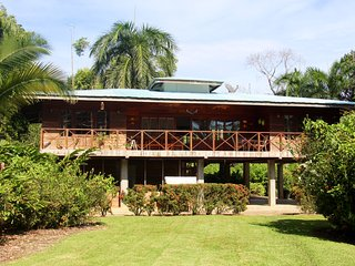 Oceanfront Home in Big Creek, Bocas del Toro
