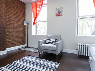 Center of Times Square Loft: 1 bedroom