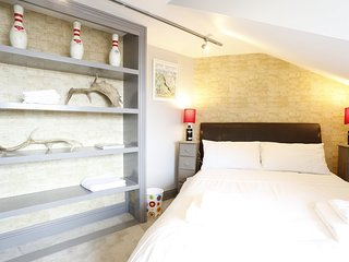 4 bed apartment Sleeps 10 Seven Dials