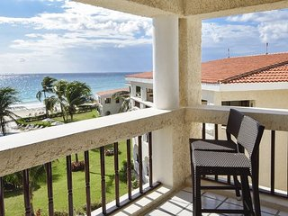 Oceanfront Center Penthouse with pool 2 bedroom in Xaman Ha (Xh7208) 35% off, Playa del Carmen