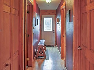 Secluded 2BR Montrose Cabin on 10 Acres w/Wifi