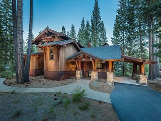 Martis Camp - Stunning Luxury 3 BR Walk to Family Barn and Camp Lodge!!