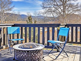 Buena Vista House w/Large Deck - 6 Mi to Downtown!