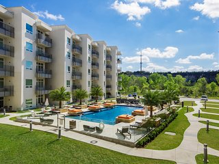 2BR Ricchi Luxury Condo in San Antonio, Texas
