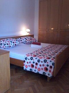 H(10+2): bedroom