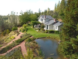 Twin Eagles Estate - up to 6 guests, 3 bed/4 bath. Private, great views., Nevada City