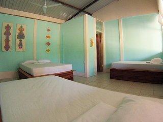 Beachpacker Hostel Manuel Antonio - Quintuple Room